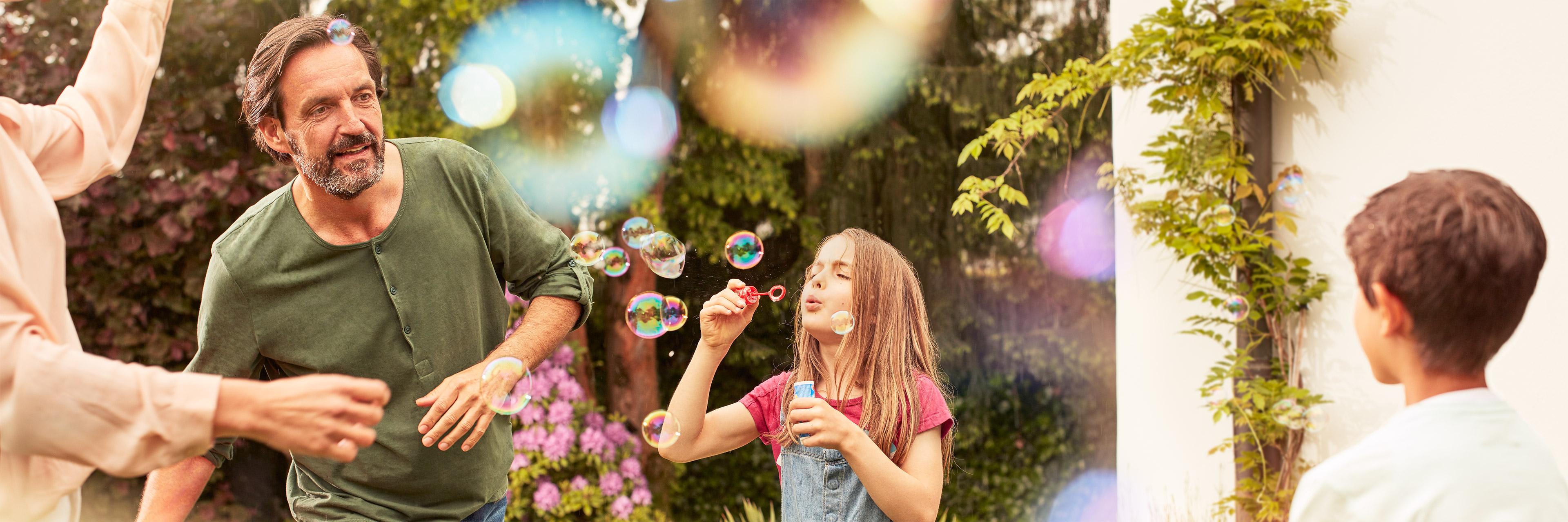 Lotus_family-bubbles_3840x1280px